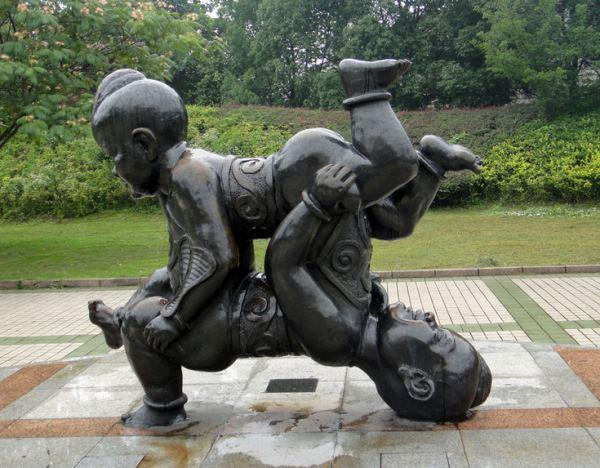 掌握铜雕塑保养方法,确保雕塑作品的高艺术价值